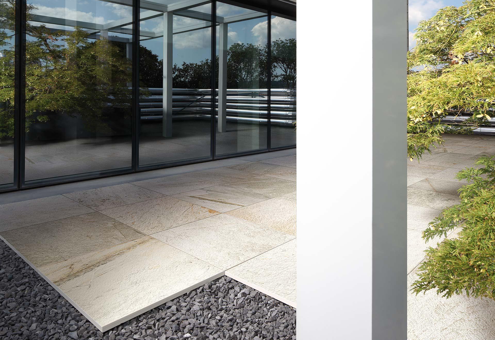 Posa Pavimento A Secco Giardino lastre spessorate in 20 mm per pavimenti esterni | florim