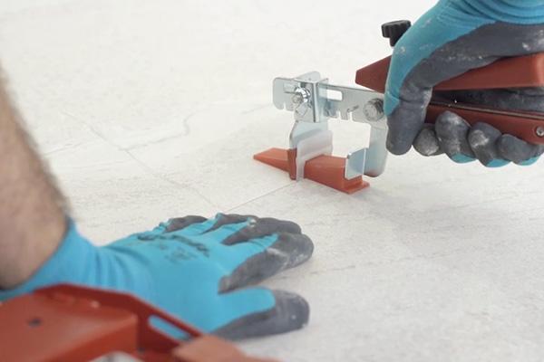 Grosse Fliesen Verlegen Tipps Fur Die Praxis Florim Ceramiche S P A